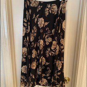 Liz Claiborne Flowing ruffle skirt size PS